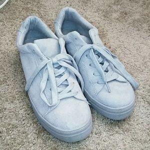 Grey sneakers 10
